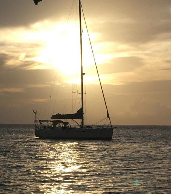 Caribbean zonsondergang Hanse 470